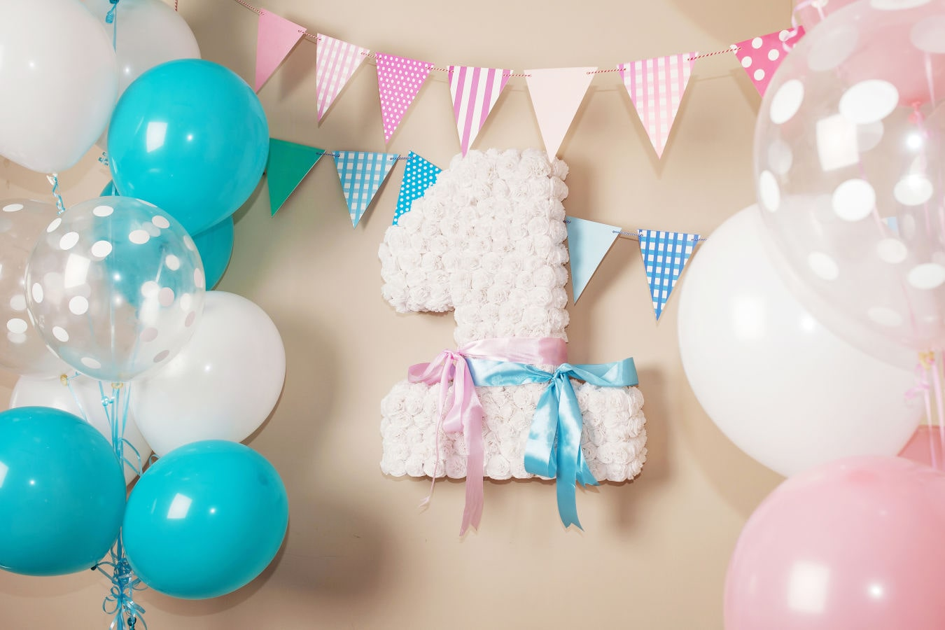 lebenskerze-1-18-geburtstagskerze-geburtskerze-happy-birthday-one-year-first-birthday-element-decorative-concept-balloon-1-number-white-pink-design-birthday-1st-1-year-birthday-decoration